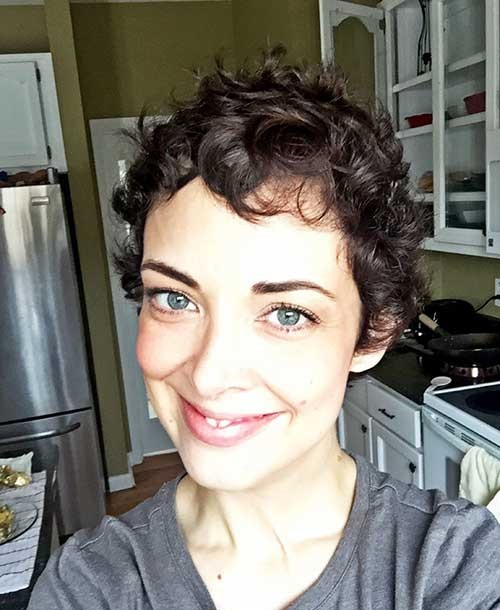 Short Haircuts for Thin Curly Hair