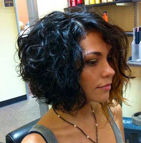 Stylish Short Cuts for Curly Hair
