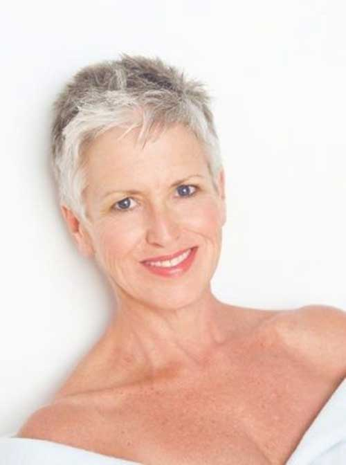 2019 Short Hairstyles for Women Over 50-12