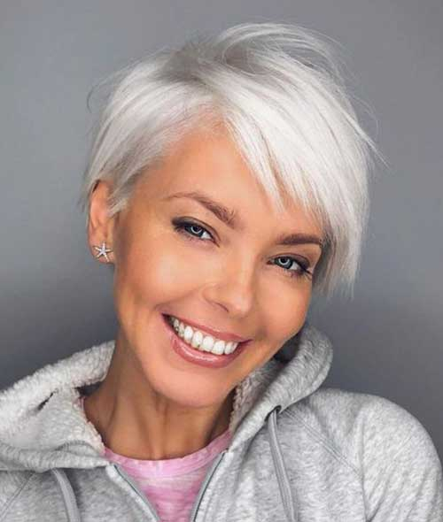 2019 Short Hairstyles for Women Over 50-13