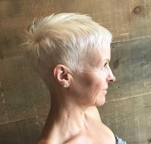 2019 Short Hairstyles for Women Over 50-14