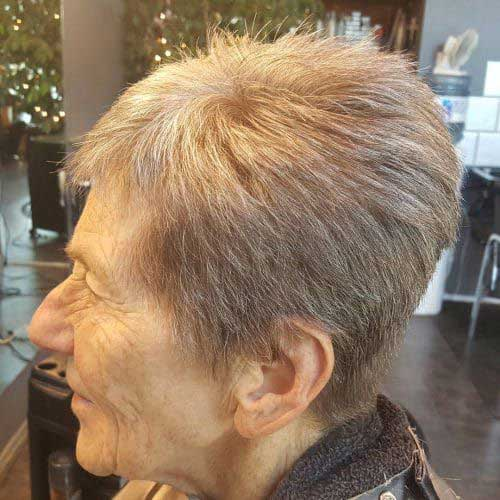 2019 Short Hairstyles for Women Over 50-15