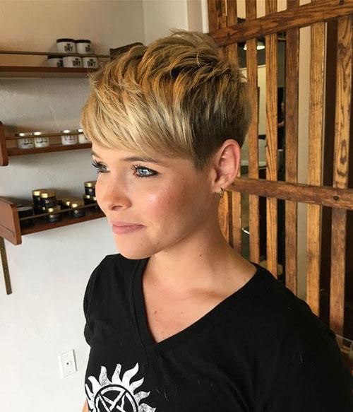 Pixie Cut Haircuts-18