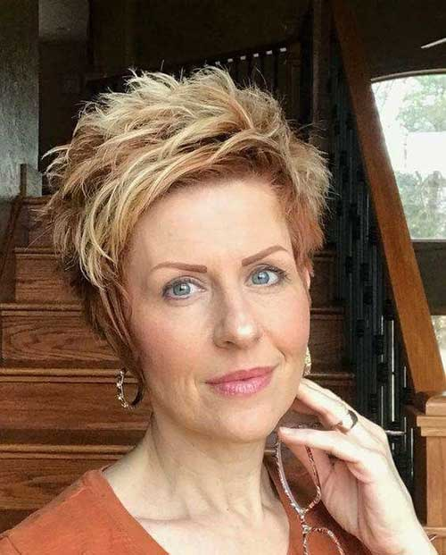 2019 Short Hairstyles for Women Over 50-18