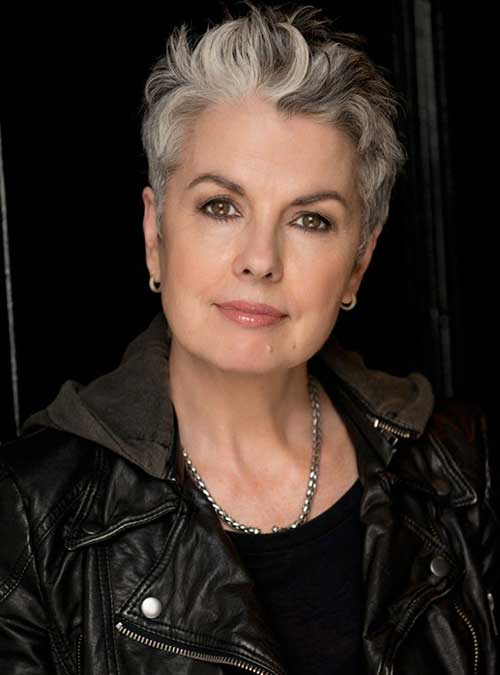 2019 Short Hairstyles for Women Over 50-6