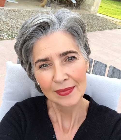 2019 Short Hairstyles for Women Over 50-8