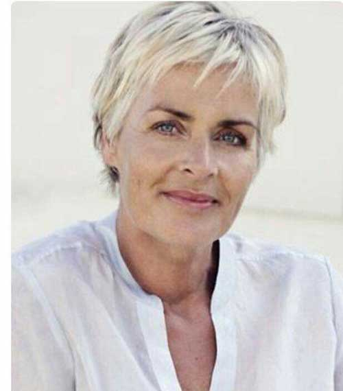 2019 Short Hairstyles for Women Over 50-9