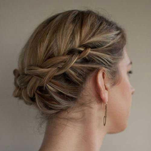 Easy Braids for Short Hair Bun-12