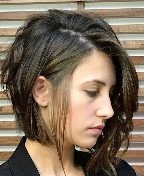 Asymmetric Shoulder Length Short Layered Hair-15