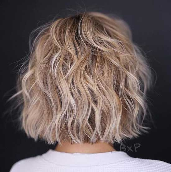 Short Haircuts for Wavy Hair Back View-12
