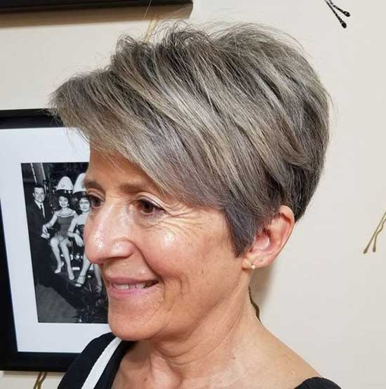 Grey Short Haircuts for Women Over 60-14