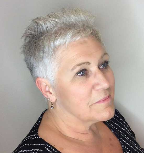 Short Thin Haircuts for Women Over 60-15