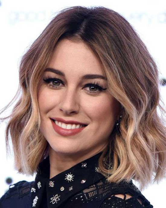 Short Haircuts for Wavy Blonde Balayage Hair-16