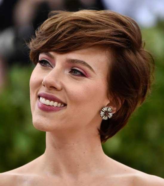 Scarlett Johansson Pixie Haircut-18