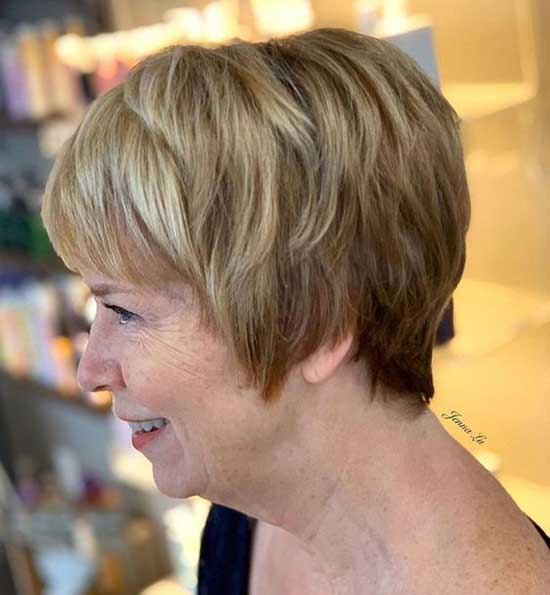 Short Haircuts for Women Over 60-18