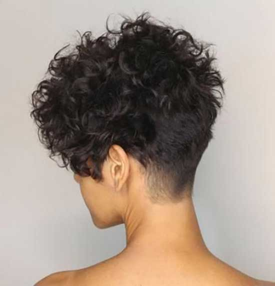 Short Haircuts for Frizzy Hair-18