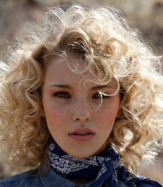 Short Haircuts for Frizzy Hair-20