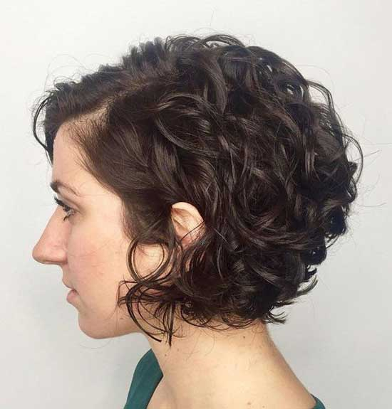 Short Haircuts for Frizzy Hair-24