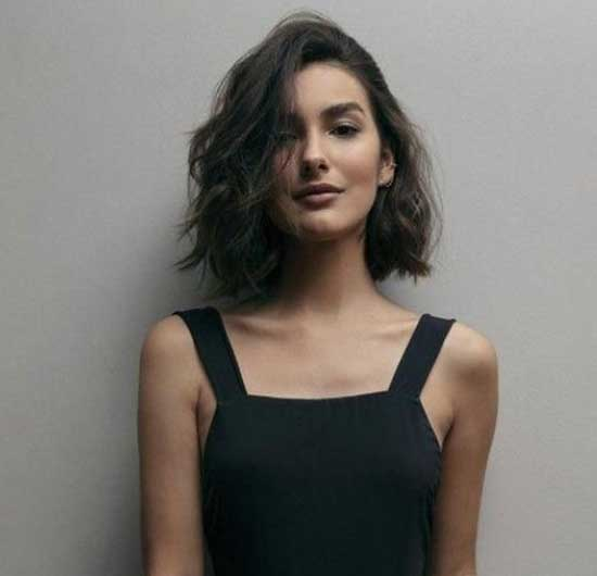 Short Haircuts for Wavy Hair-24