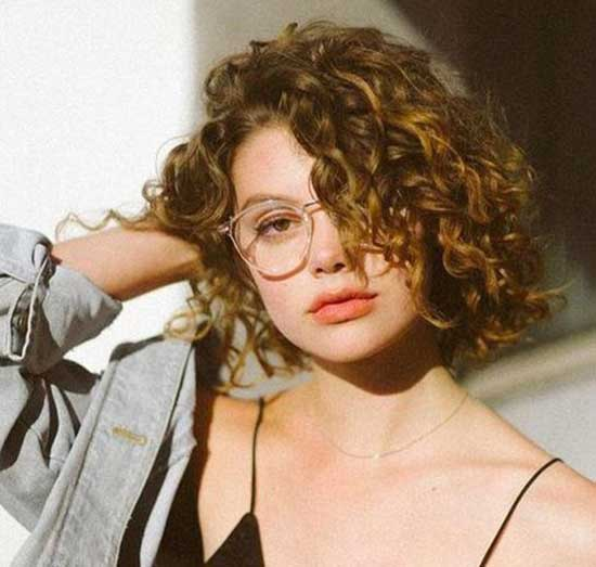 Short Haircuts for Frizzy Hair-25