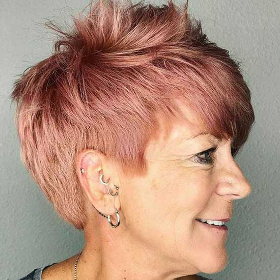 Cute Short Haircuts for Women Over 60-6