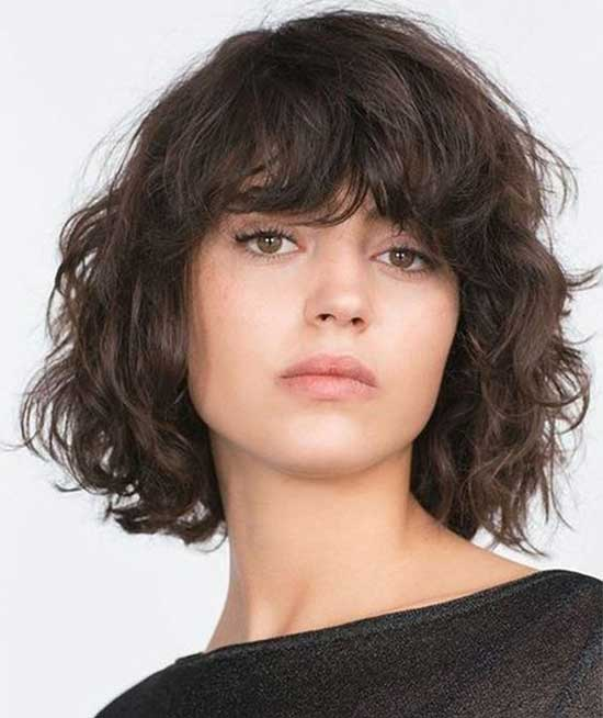 Short Haircuts for Frizzy Hair with Bangs-6