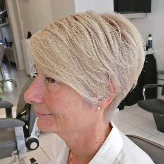 Classy Short Haircuts for Women Over 60-7
