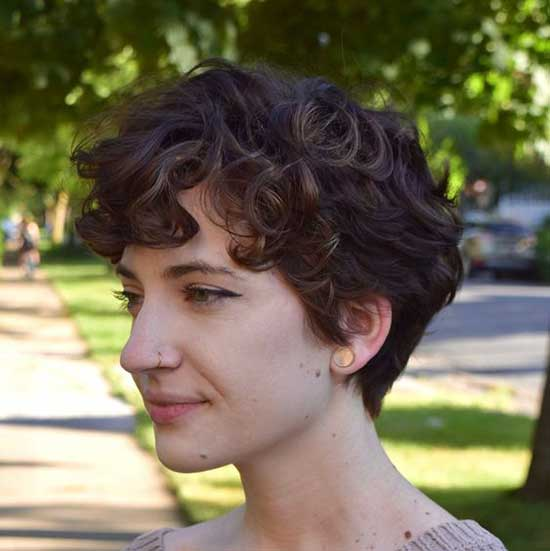 Short Haircuts for Wavy Pixie Hair-8