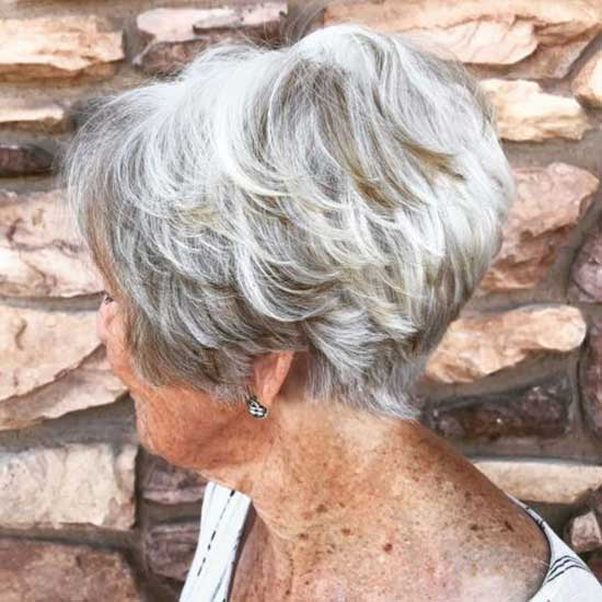 Short Haircut Styles for Women Over 50-11