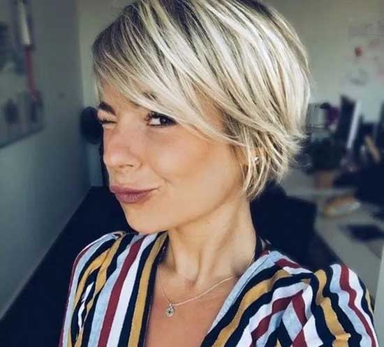 Short Haircuts for Women with Thin Blonde Hair-12