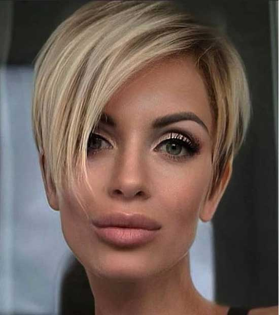 Side Parted Short Haircuts for Women with Thin Hair-16