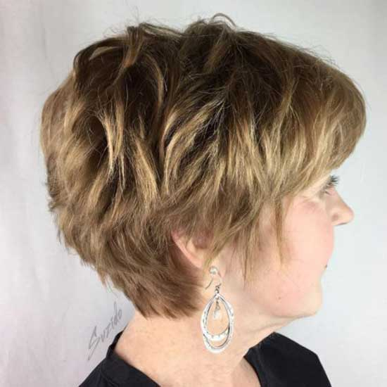 Pixie Short Haircut Styles for Women Over 50-19