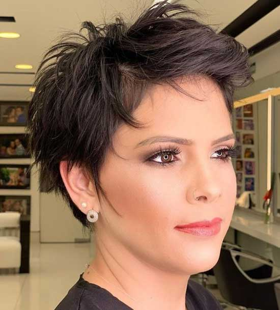 Short Haircuts for Women with Thin Hair-25