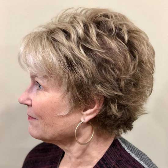 Short Haircut Styles for Women Over 50-29