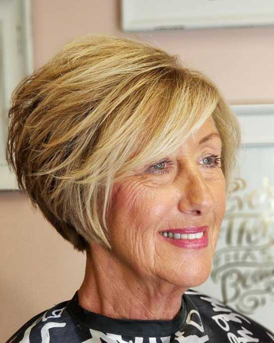 Short Haircut Styles for Women Over 50-30