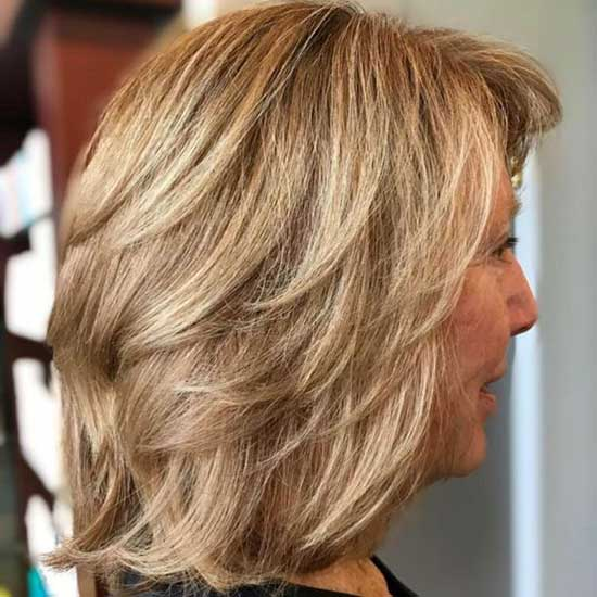 Medium Short Haircut Styles for Women Over 50-7