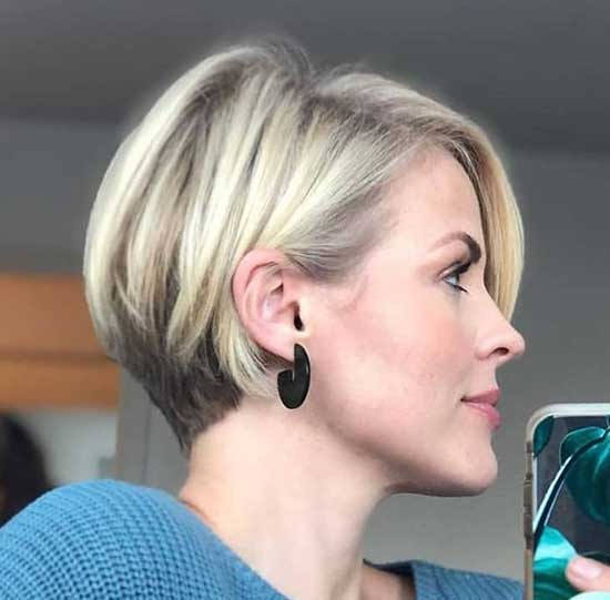 Short Bob Haircuts for Women with Thin Hair-7