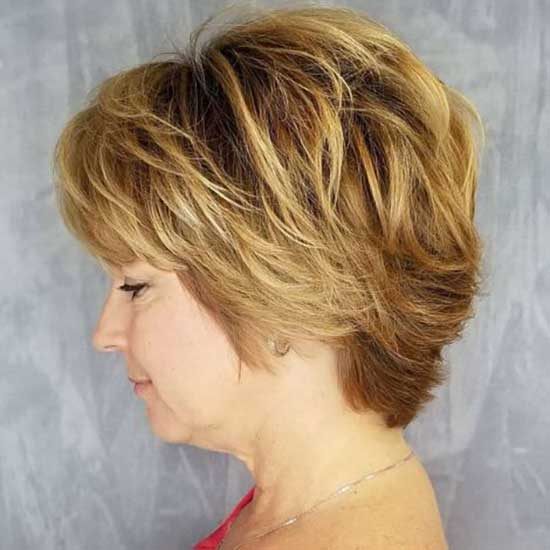 Short Mom Haircut Styles for Women Over 50-8