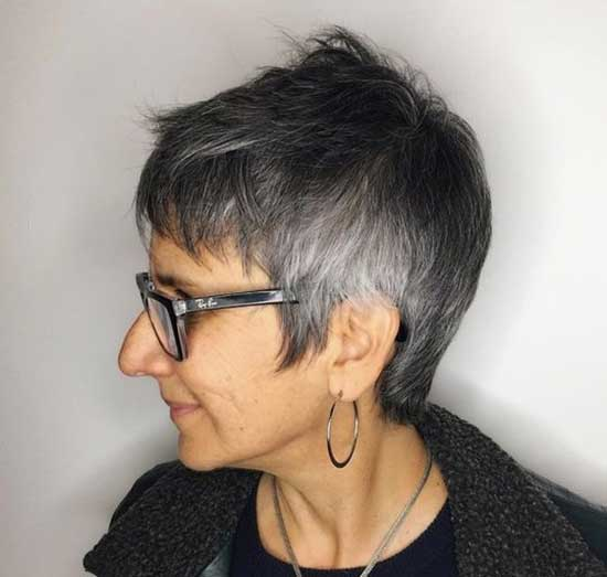 Super Short Female Haircuts-39