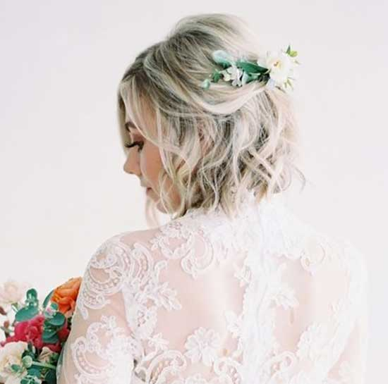 Wavy Bob Bridal Hairstyles for Short Hair-7