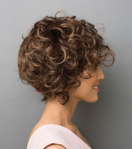 Easy Pixie Haircuts for Curly Hair-14