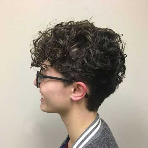 Pixie Haircuts for Curly Hair-23