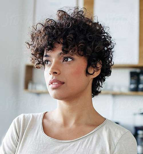 Pixie Haircuts for Curly Hair 2020-7