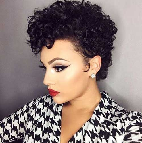 Pixie Haircuts for Curly Hair Black Women-8