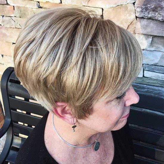 Straight Pixie Cuts for Women Over 50-10