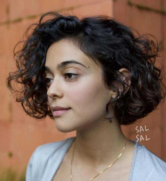 Chin Length Bob Hairstyles for Curly Hair-15