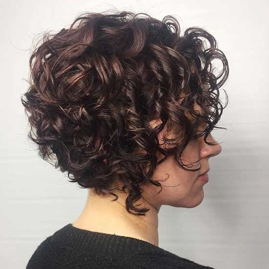 Modern Bob Hairstyles for Curly Hair-18