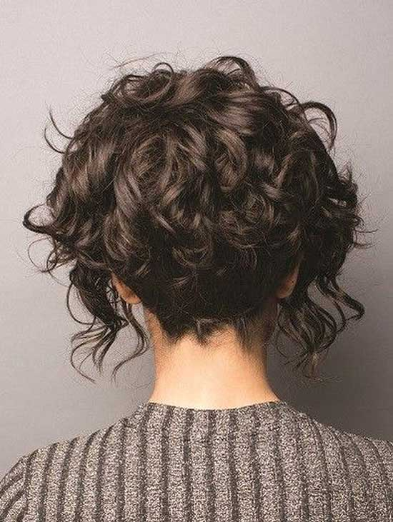 Messy Bob Hairstyles for Curly Hair-9